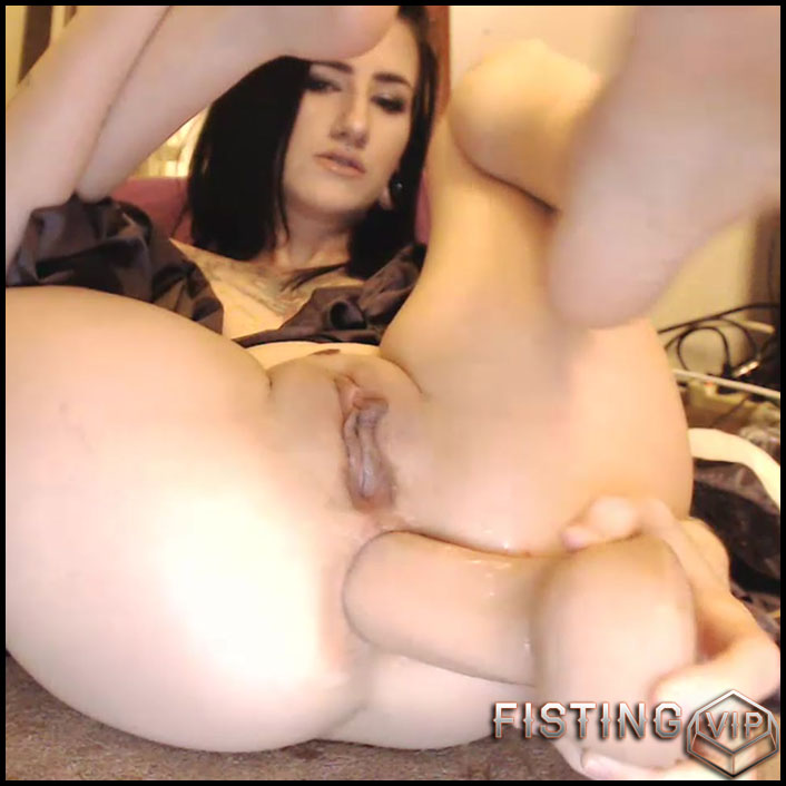 Teen Solo Fingering Close Up