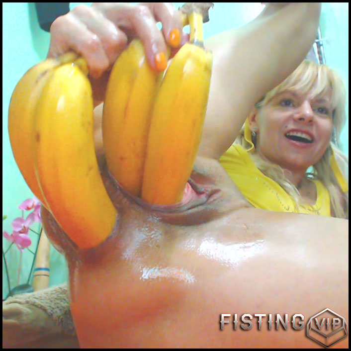 Four bananas and other vegetables penetration in monster prolapse ass RaisaWetsX - HD-720p, dildo anal, vegetable anal (Release June 9, 2018)