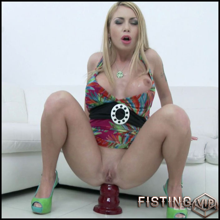 Isabella Clark monster dildo anal rides and DAP to Gaping - HD-720p, double penetration (Release July 2, 2018)