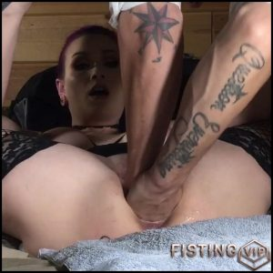 LilySkye shocking dragon dildo rides and gets double fisted – HD-720p, double fisting, huge dildo, pussy fisting (Release July 24, 2018)