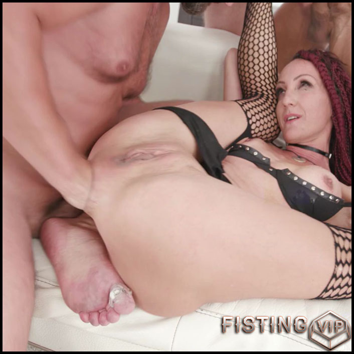 Lyna Cypher TAP with fisting and loose giant prolapse anal - HD-720p, mature fisting, solo fisting, triple penetration (Release July 12, 2018)
