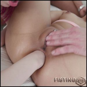 May Thai and Kira Roller rough anal fisting to gaping porn – HD-720p, anal fisting, deep fisting, double penetration (Release July 12, 2018)