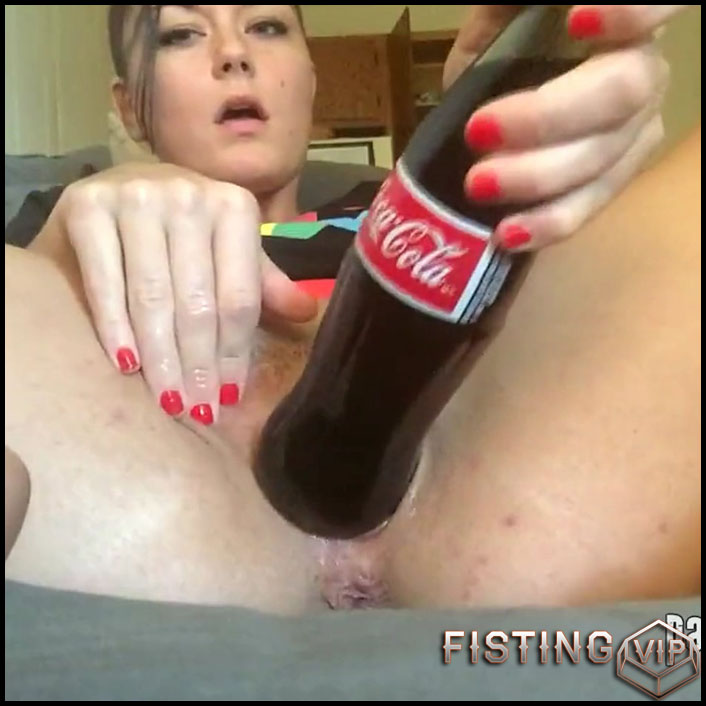 Padma penetration cola bottle in her piercing pussy - HD-720p, bottle penetration (Release July 13, 2018)