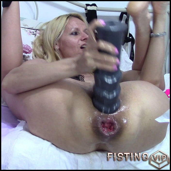 Monster Dildo Anal Gape
