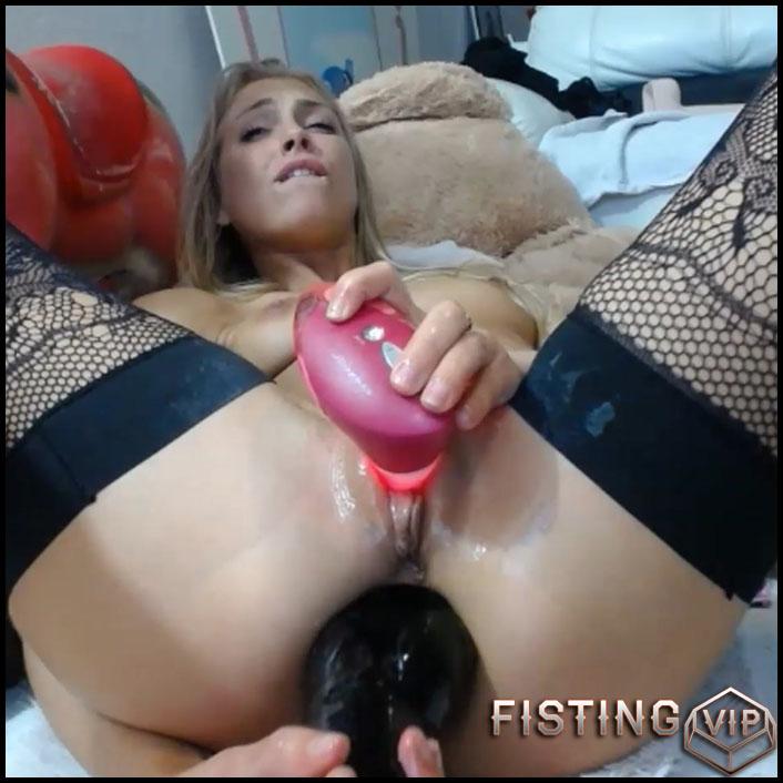 Siswet19 again insert monster red butplug fully in anal gape - Full HD-1080p, colossal dildo, dildo anal (Release July 22, 2018)