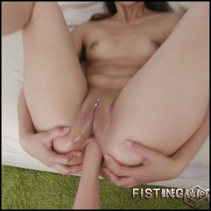 Vinna Reed, Angie Moon and May Thai anal fisting to prolapse part2 – HD-720p, deep fisting, double fisting, fisting anal (Release July 10, 2018)