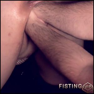 Amateur POV double vaginal fisting and loose wifes pussy prolapse – HD-720p, double fisting, pussy fisting (Release August 26, 2018)