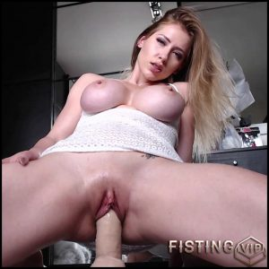 Belarusian blonde Anastasiaxxx89 bouncing titties in your face – HD-720p, dildo porn, dildo riding, huge dildo (Release August 4, 2018)