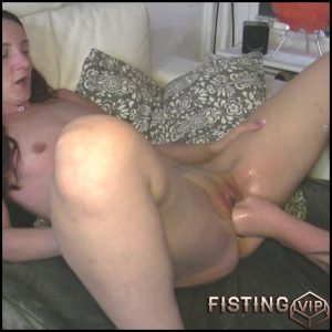 First fisting experience with skinny girl amateur – HD-720p, amateur fisting, couple fisting (Release August 31, 2018)