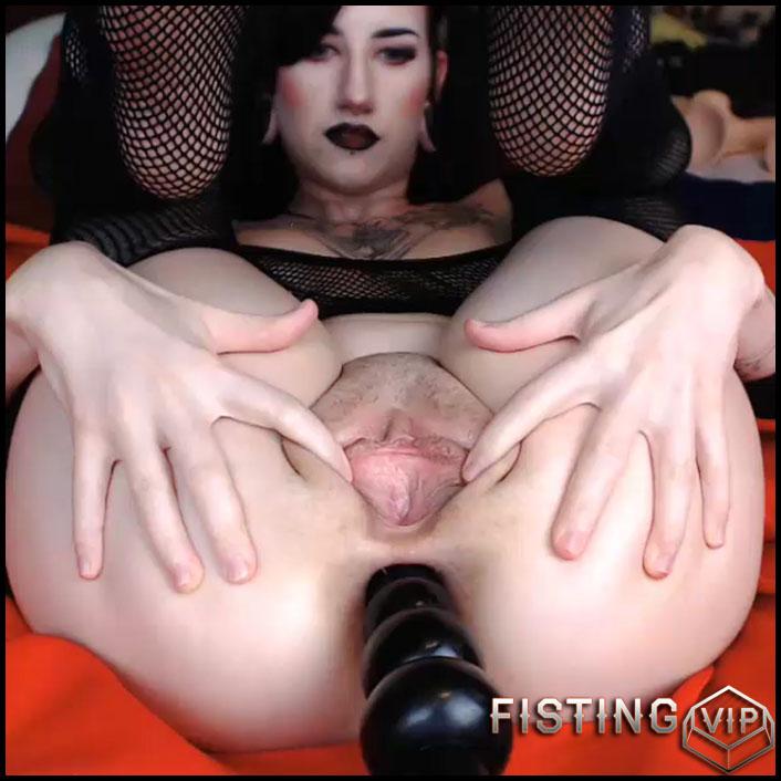 Hot woman sucking dick naked