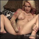 Kinky tattooed girl with beautiful tits solo fisting sex – HD-720p, pussy fisting, solo fisting (Release August 19, 2018)