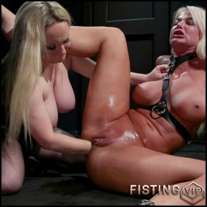 Aiden Starr and London River deep anal fisting lezdom porn – HD-720p, anal fisting, lesbian fisting (Release October 1, 2018)
