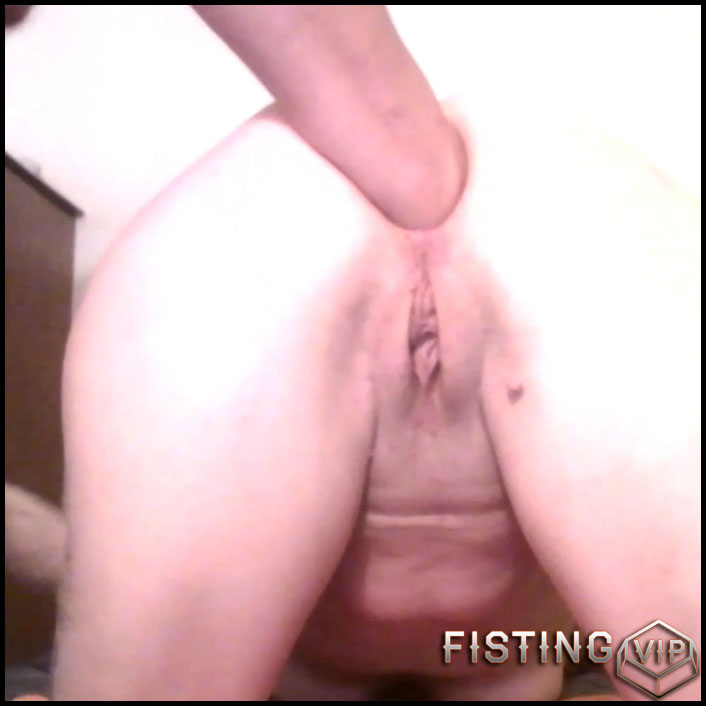 Anal Fisting Slave Girl