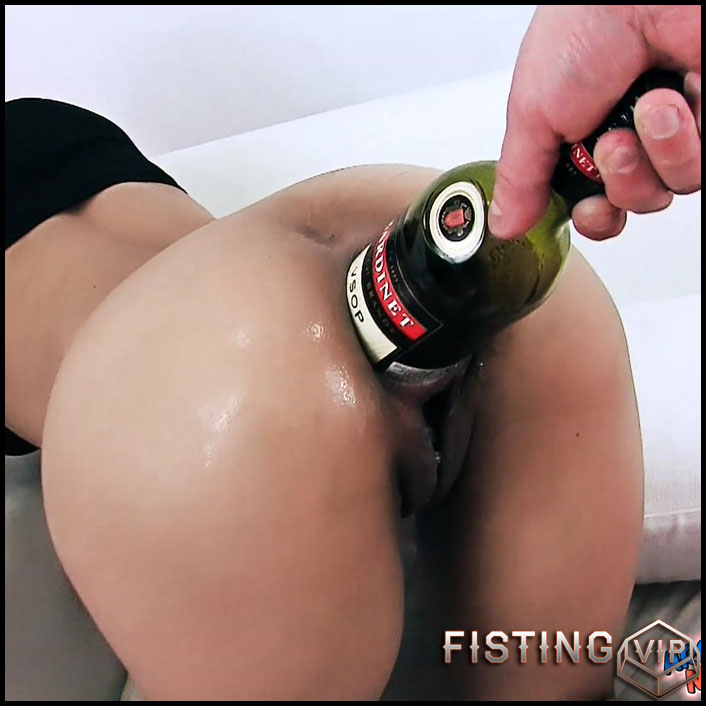 Masked girl Anna gets many huge bottles in gaping pussy and anal - Full HD-1080p, bottle anal (Release October 12, 2018)