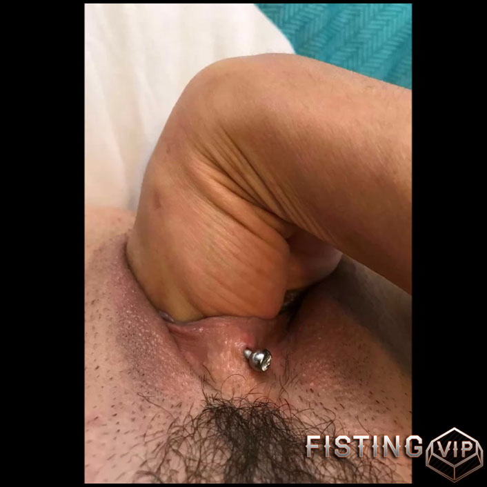 Webcam busty brunette with hairy pussy solo vaginal fisting - Full HD-1080p, pussy fisting, solo fisting (Release October 4, 2018)