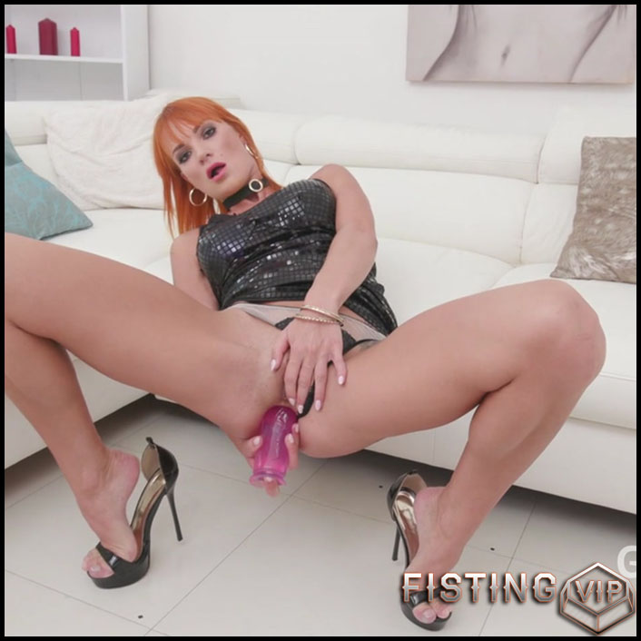 Kessie Shy anal rosebutt stretching with big rubber dildo and DAP after - HD-720p, dildo anal, huge dildo (Release November 17, 2018)