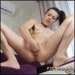 Sexy squirting wife fisted her gaping pussy – HD-720p, pussy fisting, solo fisting (Release November 8, 2018)