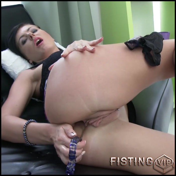 Sindy Rose loose anal prolapse after fisting and monster dildo fuck - HD-720p, anal fisting, monster dildo (Release November 26, 2018)