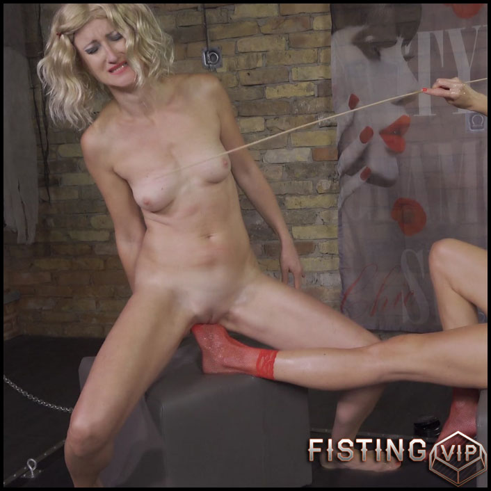 Abuse Lesbians Vaginal Footing And Fisting Closeup – Queensnake
