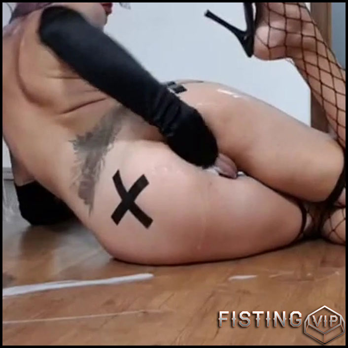 Amateur unique anal and vaginal fisting video with hot masked girl -  HD-720p,