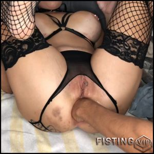 Big Tits Wife Insertion Huge Butplug, Ball And Gets Fisted To Rosebutt – LilySkye – Couple Fisting