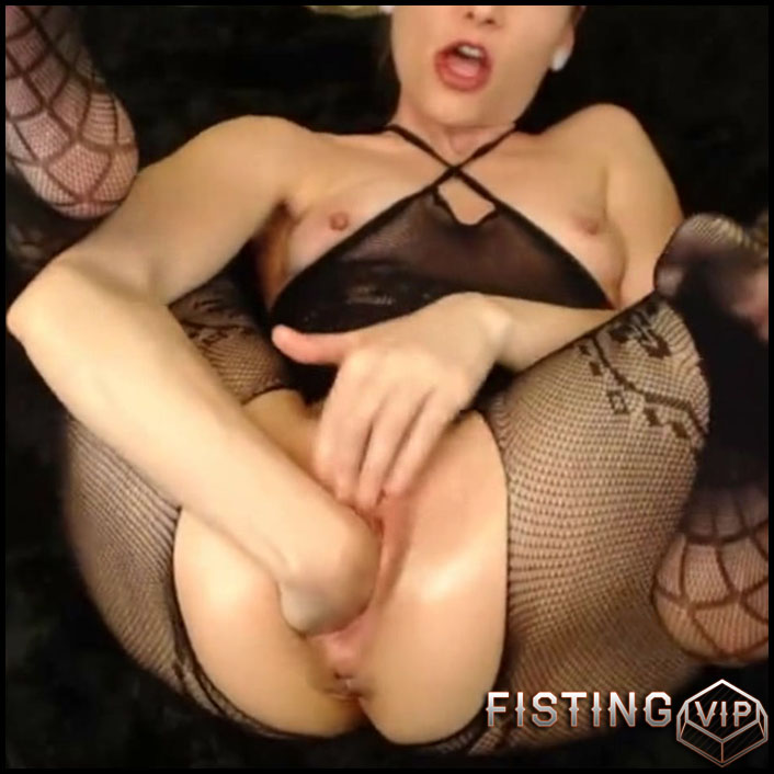 Amateur Girl Hairy Pussy Self Fisting - AdalynnX - Pussy Fisting