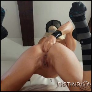 Amateur Model First Time Anal Fisting Herself – Pettit Looloo – Solo Fisting