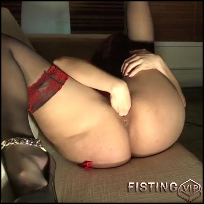 Big Ass Wife Exciting Solo Penetration Hand In Pussy - Amateur Fisting