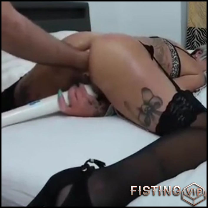 Big Ass Wife Gets Fisted In Doggy Style Pose Amateur - Couple Fisting, Pussy Fisting