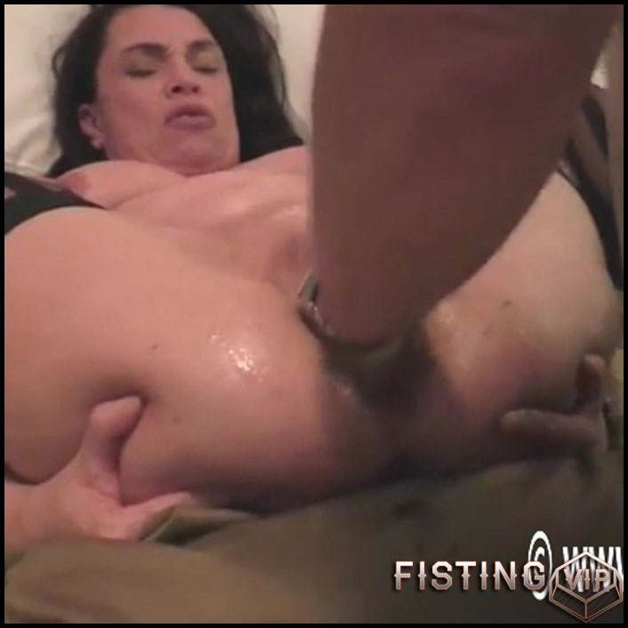 Busty Mature Gets Vaginal Fisted Homemade - Hottabbycat - Amateur Fisting