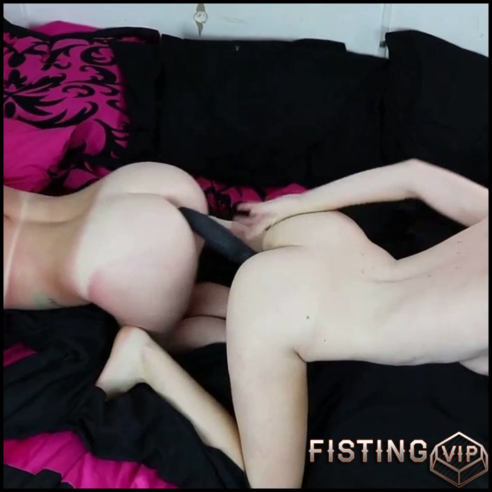 Double Dided Cock Dildo Lesbian Teens - Brooke Dillinger - Double Dildo