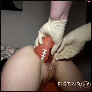 German Girl With Saggy Tits Gets Big Ball And Vegetable In Pussy – FullHD Porn