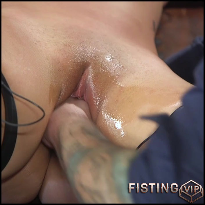Gets Fisted And Rope Domination Maledom - Victoria Voxxx - Pussy Fisting