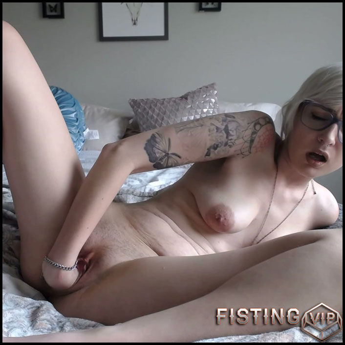 Heavy Fisting For A Tiny Teen With Gaping Pussy - Milly17 - Pussy Fisting