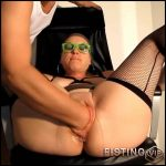Large Labia Milf Gets Fisted After Amazing Pumping – Amateur Fisting