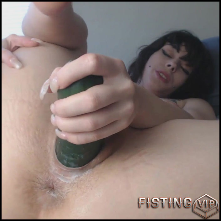 Teen With Saggy Tits Penetration Cucumber In Her Sweet Hairy Pussy - Vegetable Porn