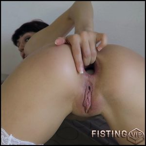 Food Porn: Ass Stuffing And Eggs Laying Webcam – Mylene – Gape Ass