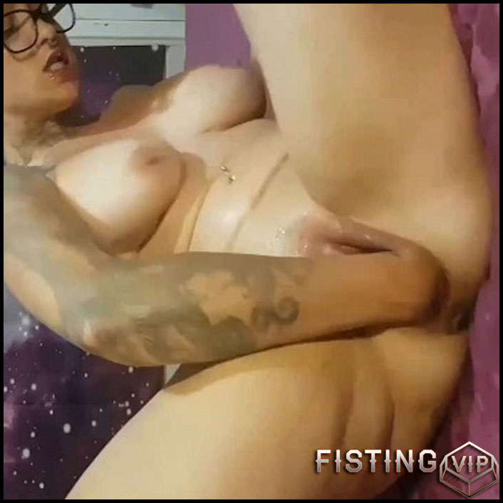 Pussypump Squirty Fistinggaping Selffuck And DP - NymphNova - Solo Fisting