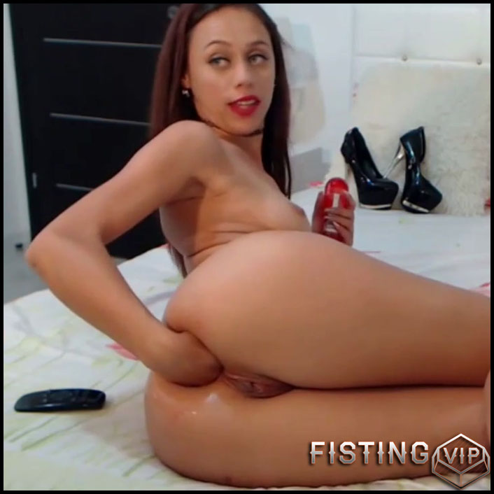 Very Beautiful And Cute Brunette Self Fisting And Dildo Sex - Solo Fisting