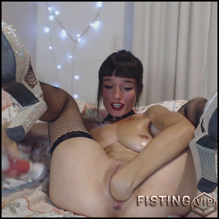 Your Favorite Video Fisting And Dildo Sex - Suicide - Pussy Fisting