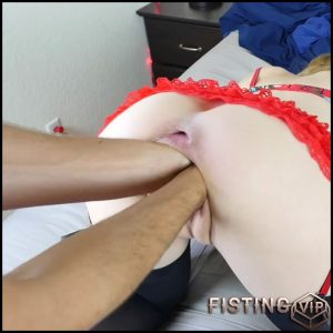 Gets Double Fisted, Huge Bottle And Buplug In Cunt – Goldilocksfist – Double Fisting