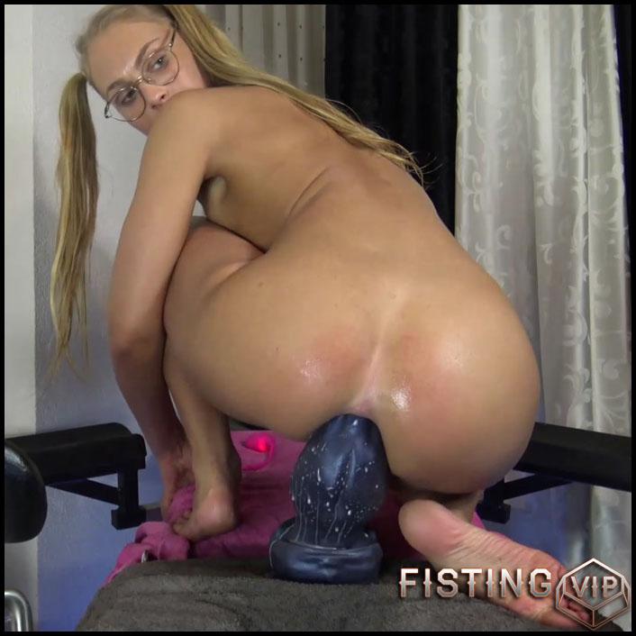 Monster Black Dildo Fully Fuck In Her Shocking Asshole - Siswet19 - Colossal Dildo1