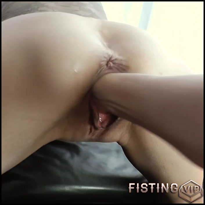 Perverted Wife Homemade Gaping Pussy Show After Deep Fisting - Pussy Fisting
