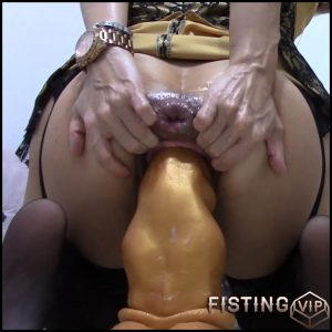 The Dragon Fully To Prolapse Anal – RaisaWetsX – Colossal Dildo, Dildo Anal
