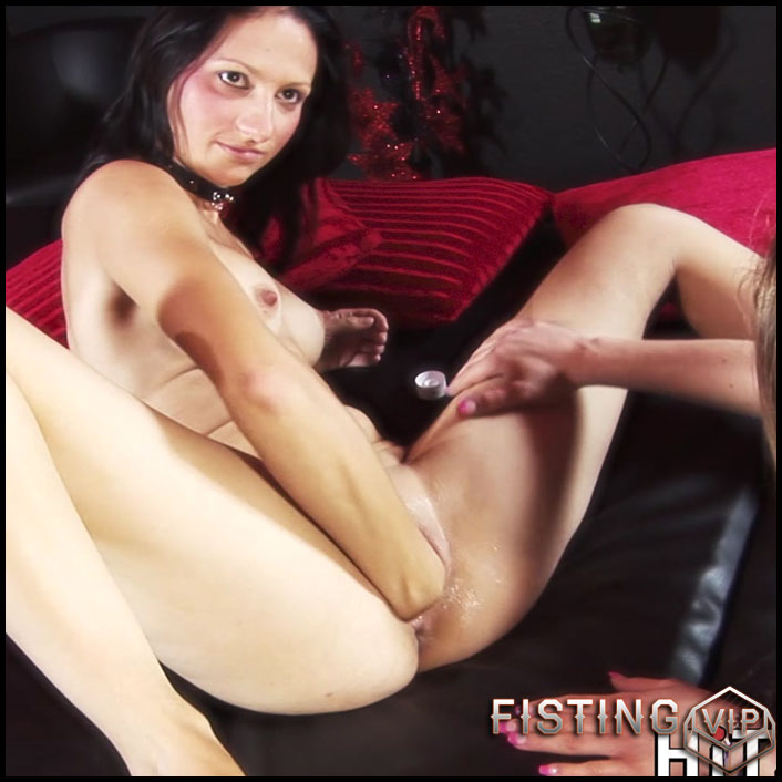 German Girls Footing And Fisting Each Other - Lina Lust and Foxi Fire - Lesbian Fisting
