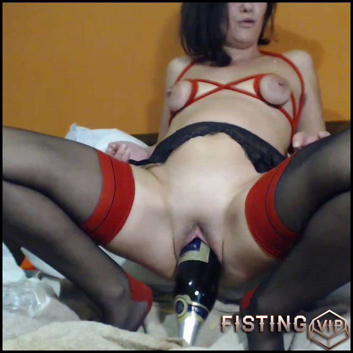 Giant Champagne Bottle In Pussy - Kinkyvivian - Bottle Riding, Mature Fisting