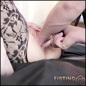 Unique Amateur Brunette Deep Vaginal Fisting Sex Very Hard – Couple Fisting