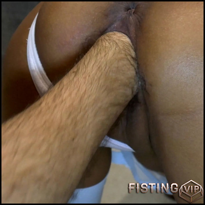 Mother Of Dragons - Fisting, Glass Butt Plug, Fucking In 4k Quality - Deep Fisting, Pussy Fisting