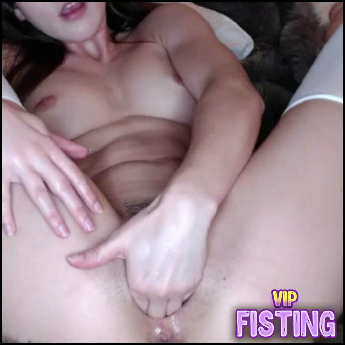 Hairy Pussy Lesbians Pissing