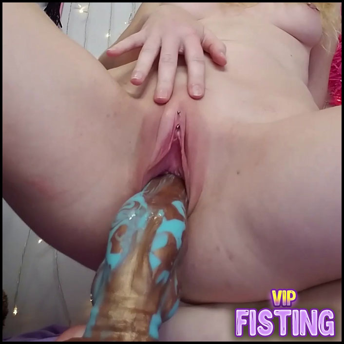 Bad Dragon Dildo Again Penetration In Large Labia Pussy - Brooke1993